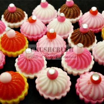 8pcs ice Cream CUPCAKE Cherry Rhinestone Cabochons Flat back F1138